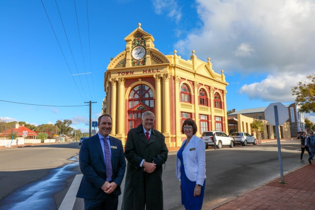 The Governor standing outside York Town Hall with Cr Denese Smythe and Cr Mr Chris Linnell