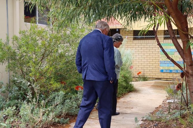 The Governor looking at the Koolbardi Bidi cultural garden